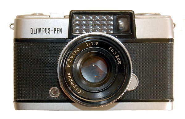 Olympus Pen-D Half Frame 35mm film camera 1962
